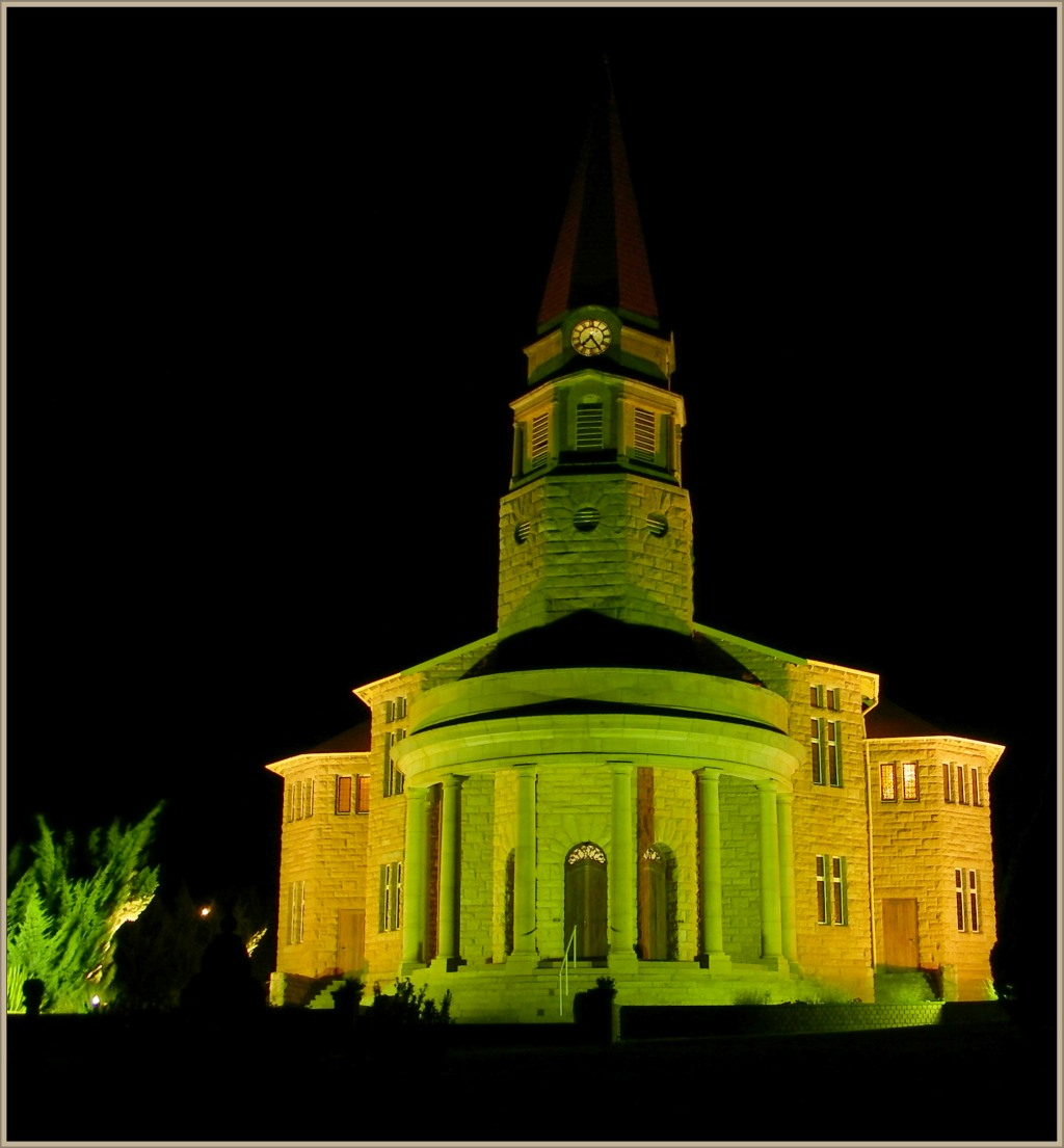 NG church at night
